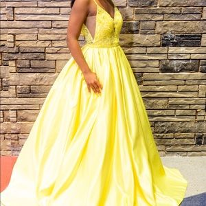 Dresses & Skirts - Yellow Pageant/Prom Ball Gown